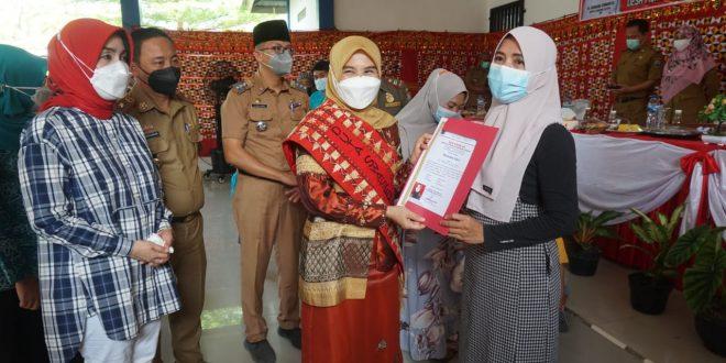 Edukasi Masalah Stunting, Bunda Winarni Sosialisasi 1.000 HPK di Kecamatan Penengahan