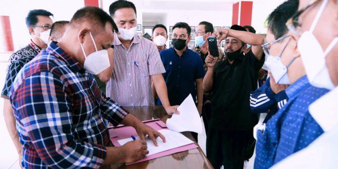 Dimediasi Bupati Lampung Selatan, Warga Desa Mandah dan PT BLJ Sepakat Berdamai